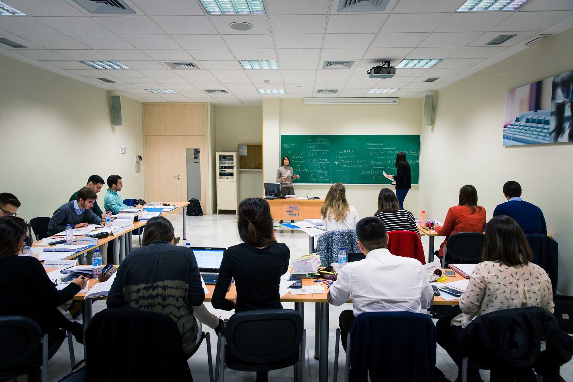 ATRESMEDIA Y EL INSTITUTO DE ESTUDIOS CAJASOL UNIDOS POR LA FORMACIÓN AUDIOVISUAL